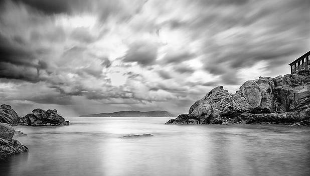 After the storm in Morays Cove by Tommaso Di Donato