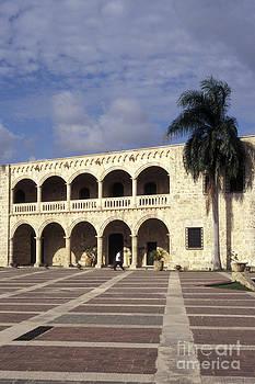 John  Mitchell - ALCAZAR DE COLON Santo Domingo