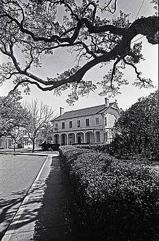 An Early American Home by Thomas D McManus