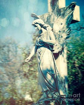 Sonja Quintero - Angel Blur