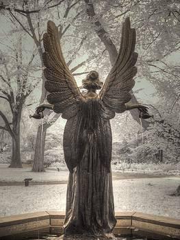 Angel statue by Jane Linders