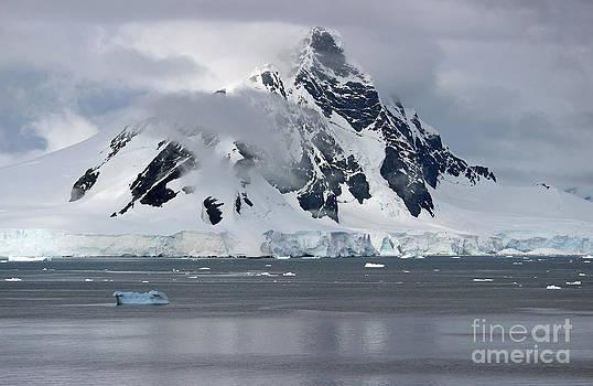 Antarctica by Jan Wolf