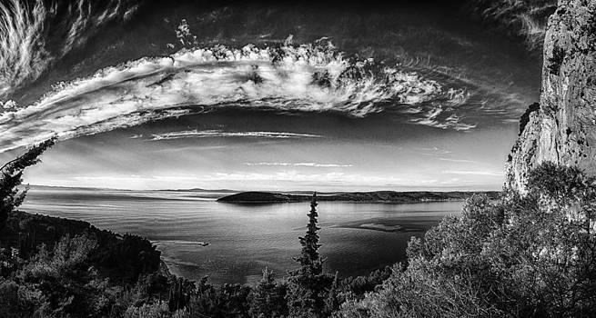 Arc by Mislav Glibota