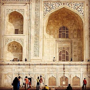 Arches of Taj Mahal by Hitendra SINKAR