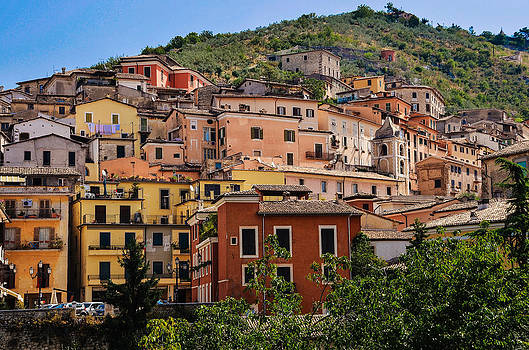 Arpino city by Dany Lison