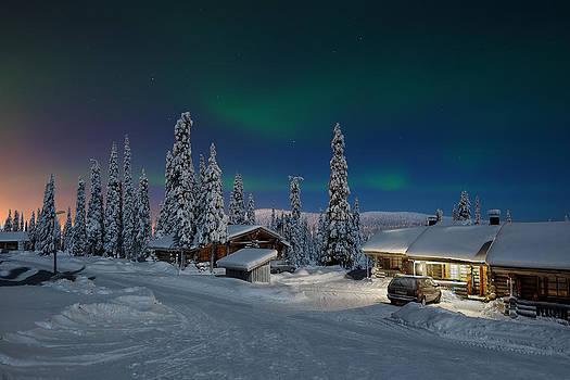 Aurora Borealis by Roman Rodionov