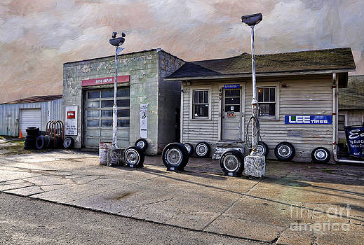 Liane Wright - Auto Repair Shop - Ray