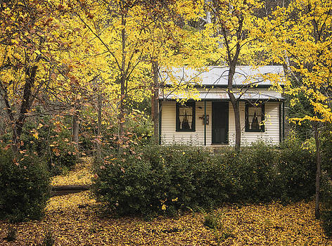 Autumn Country Home by Kim Andelkovic
