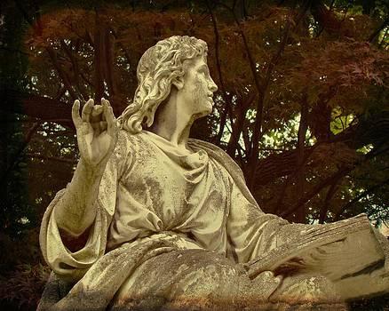 Gothicolors Donna Snyder - Autumn Sculpture