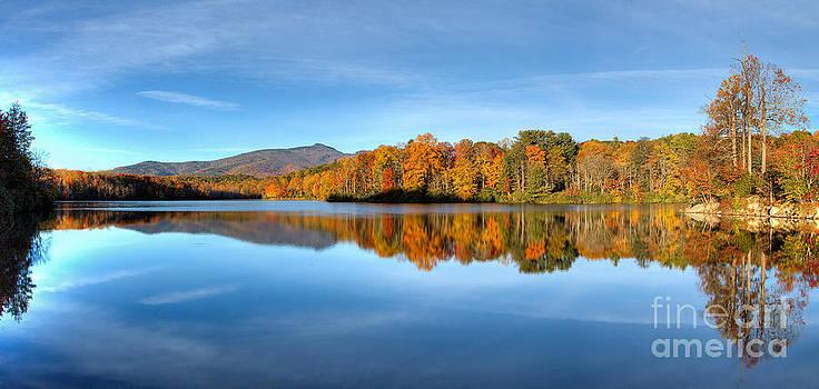 Dan Carmichael - Autumn Sunrise at Price Lake