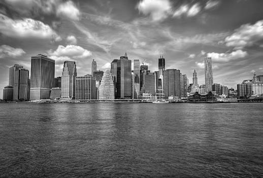 B and W HDR - New York - manhattan by Amador Esquiu Marques