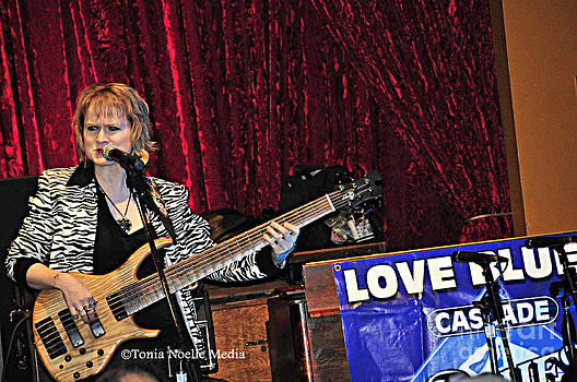 Badass Blues Bassist Lisa Mann by Tonia Noelle