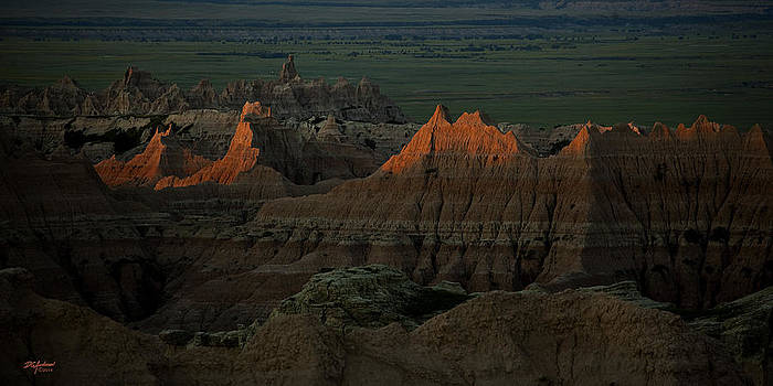 Badlands First light by Don Anderson