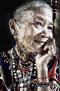 Bagobo Tribal Woman by Jojie Alcantara