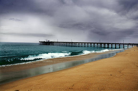 Balboa Beach by Greg Amptman