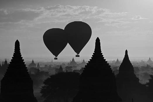 Balloon Over Bagan by Jason KS Leung