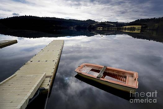 BERNARD JAUBERT - Bark on a lake in Auvergne. France