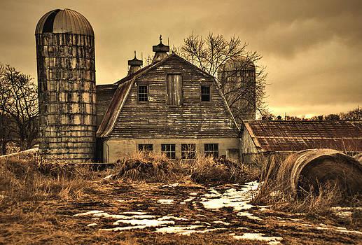 Barn by Robert Geary