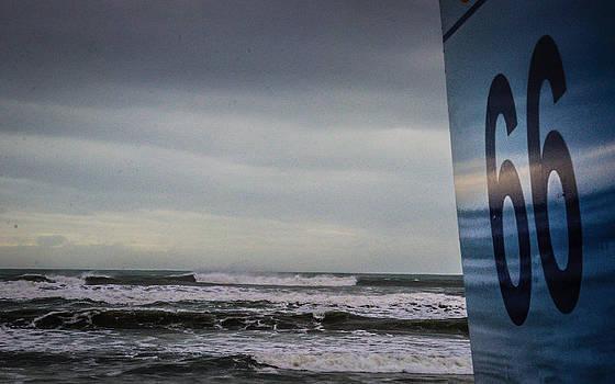 Beach 66 - Plage 66 by Gilbert Wayenborgh