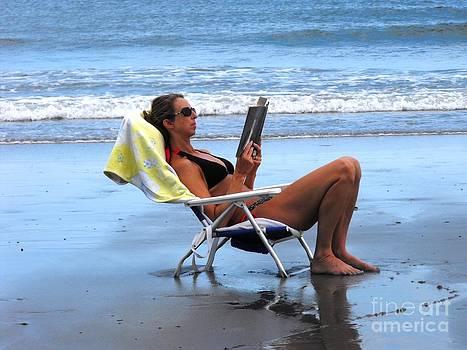 Beach Reading by Lisa Gifford