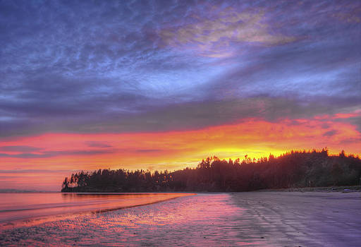Beach Sunrise by Rod Mathis