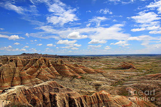Beautiful Badlands by Leslie Kirk
