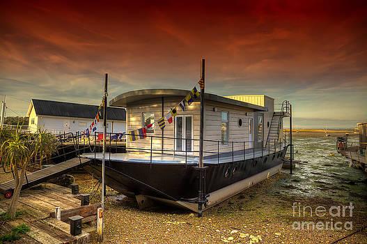 English Landscapes - Bembridge Houseboat