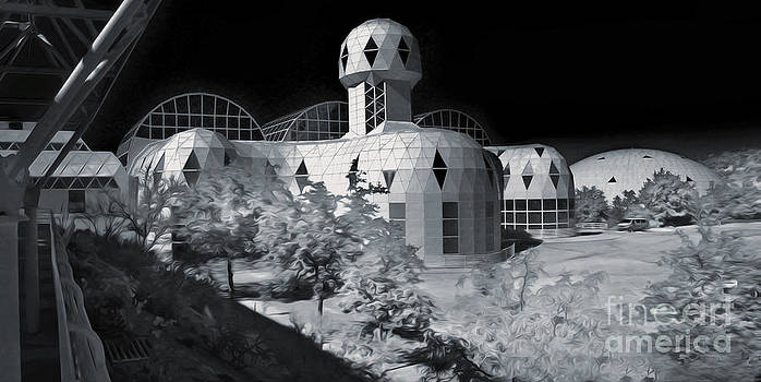 Gregory Dyer - Biosphere2 - Black and White