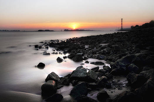 Blankenese Sunset by Marc Huebner
