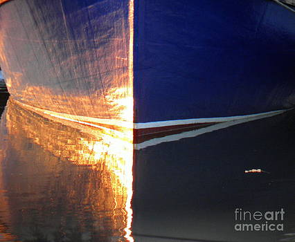 Amazing Jules - Blue Skiff Reflection