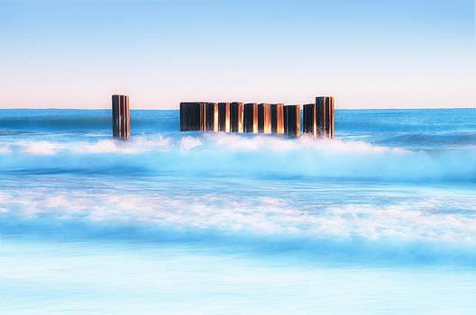 Blue Wave 2 by Tomasz Worek
