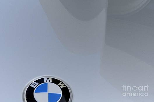 Bmw by Andres LaBrada