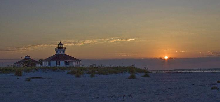 Regina  Williams  - Boca Grande Lighthouse Sunrise