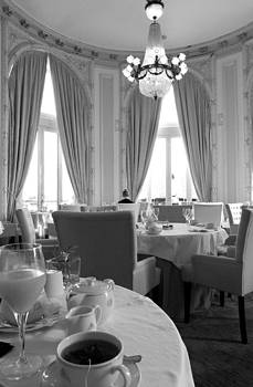 Breakfast at Maria Cristina by Gaitero