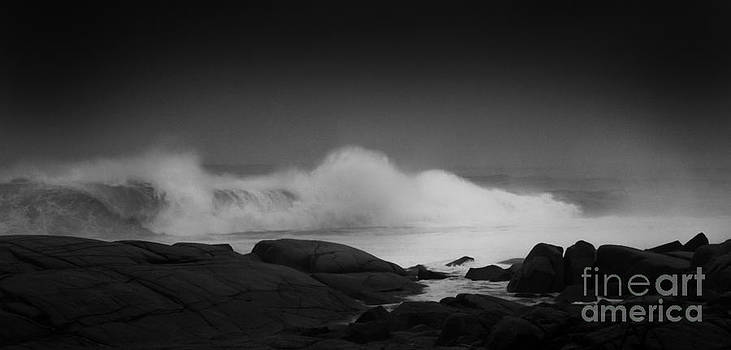 Breaking Wave by Mark Clifford