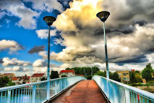 Bridge and floor lamps by Paris Color