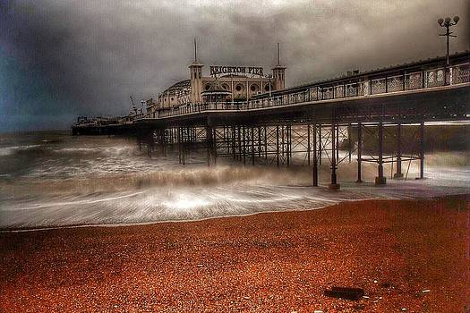 Brighton Pier by Paul Tyzack