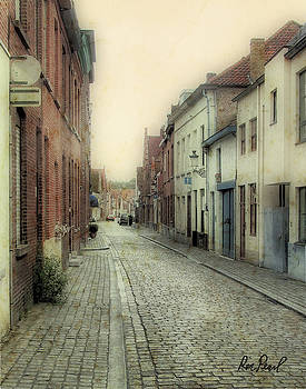 Brugge Street by Ron Pearl