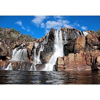 Cachoeira Das Carioquinhas -  Parque by Anna Barros