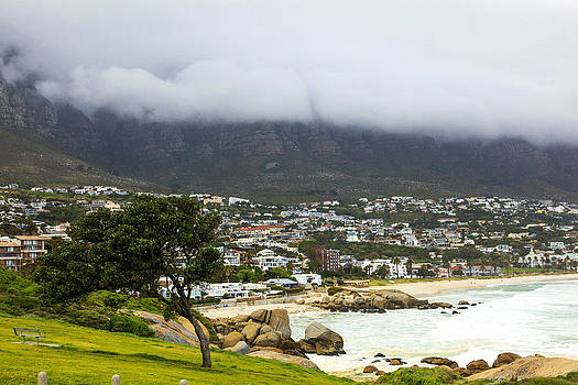 Capetown 9776 by Larry Roberson