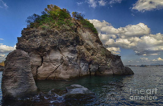 Cartaromana Bay by Giovanni Chianese