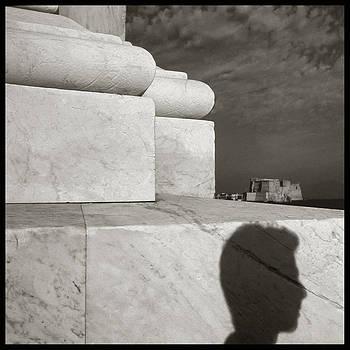 Castel dell'Ovo dalla colonna spezzata / foto di Augusto De Luca. 46 by Augusto  De Luca