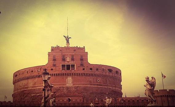 Castel San'Angelo by Shelley Smith