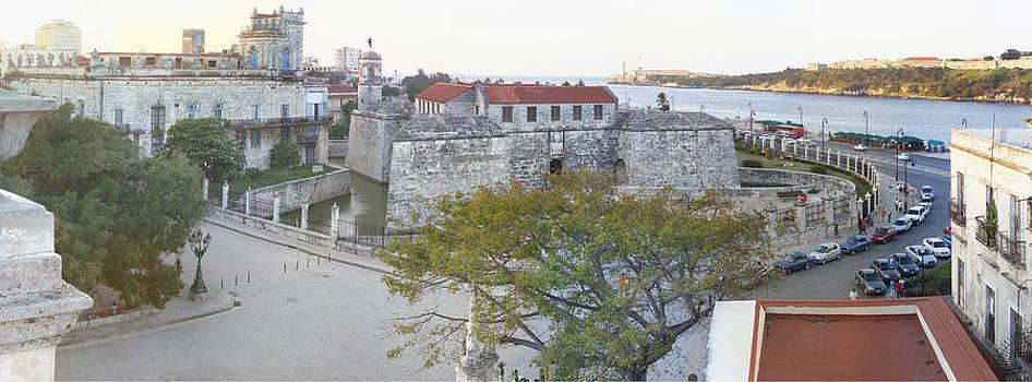 Castillo de la fuerza./ Castle of force. by Juan Carlos Sepulveda