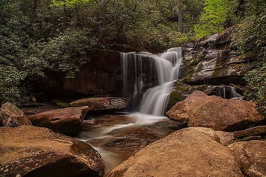 Cedar Creek Falls by Johnny Crisp