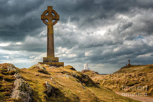 Adrian Evans - Celtic Cross at Llanddwyn Island