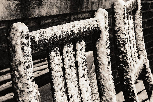 Arkady Kunysz - Chairs in the snow