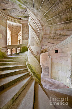 Chambord Spiral staircase by Julian Elliott