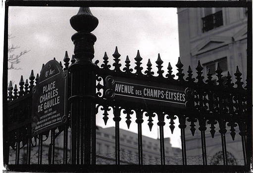 Champs Elysees by James Reynolds