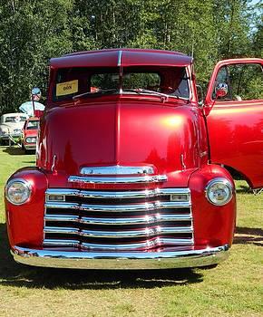 Nicki Bennett - Chevrolete Vintage Truck